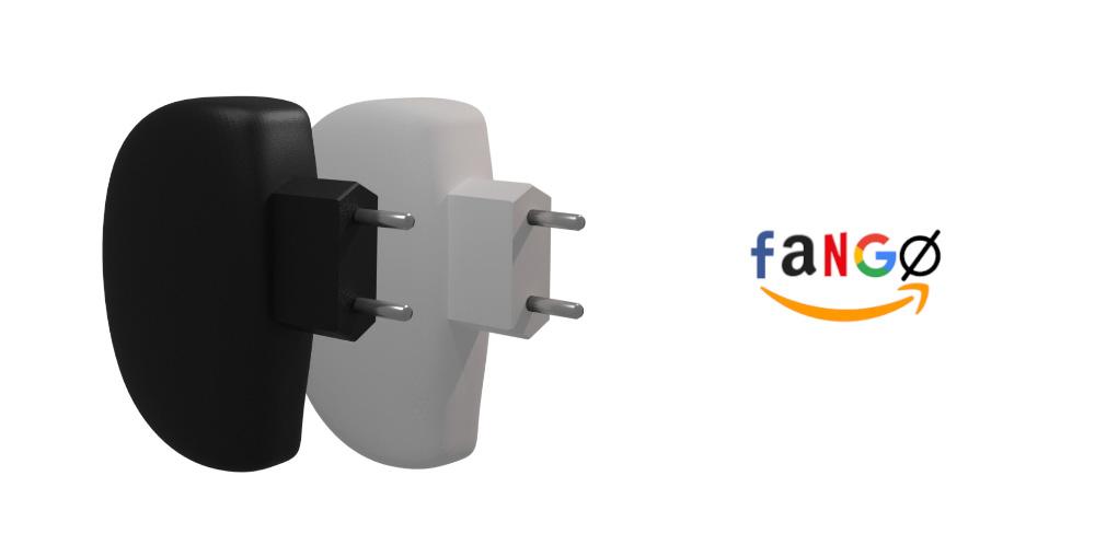 Dos aparentes cargadores de teléfono móvil, uno negro y otro blanco, situados en paralelo. A la derecha, las siglas «FANGo», compuestas por la inicial del logo de Facebook, Amazon, Netflix y Google, respectivamente, y el símbolo O con barra (Ø)